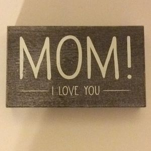 MOM I Love You Painted On A Wooden Box Frame  NWOT